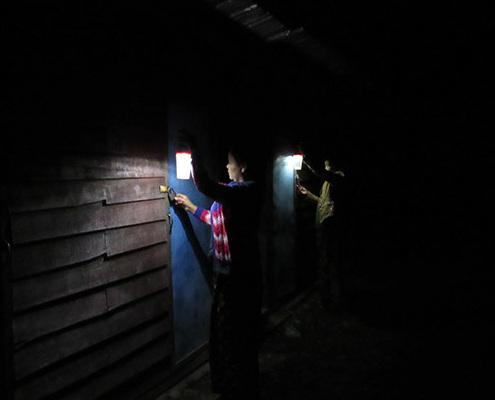 Women solar lighting